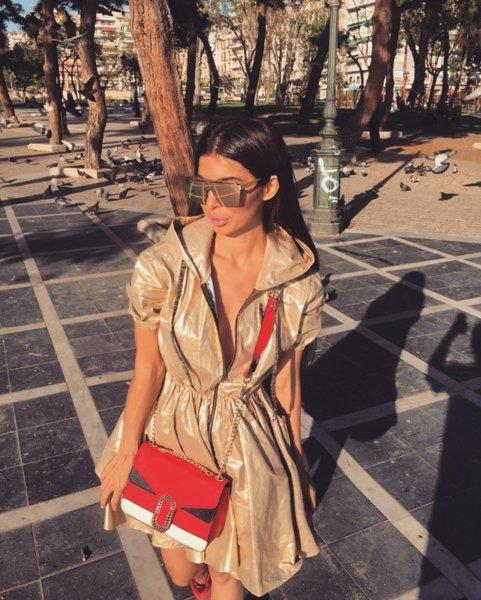 Чанта с метални детайли червена